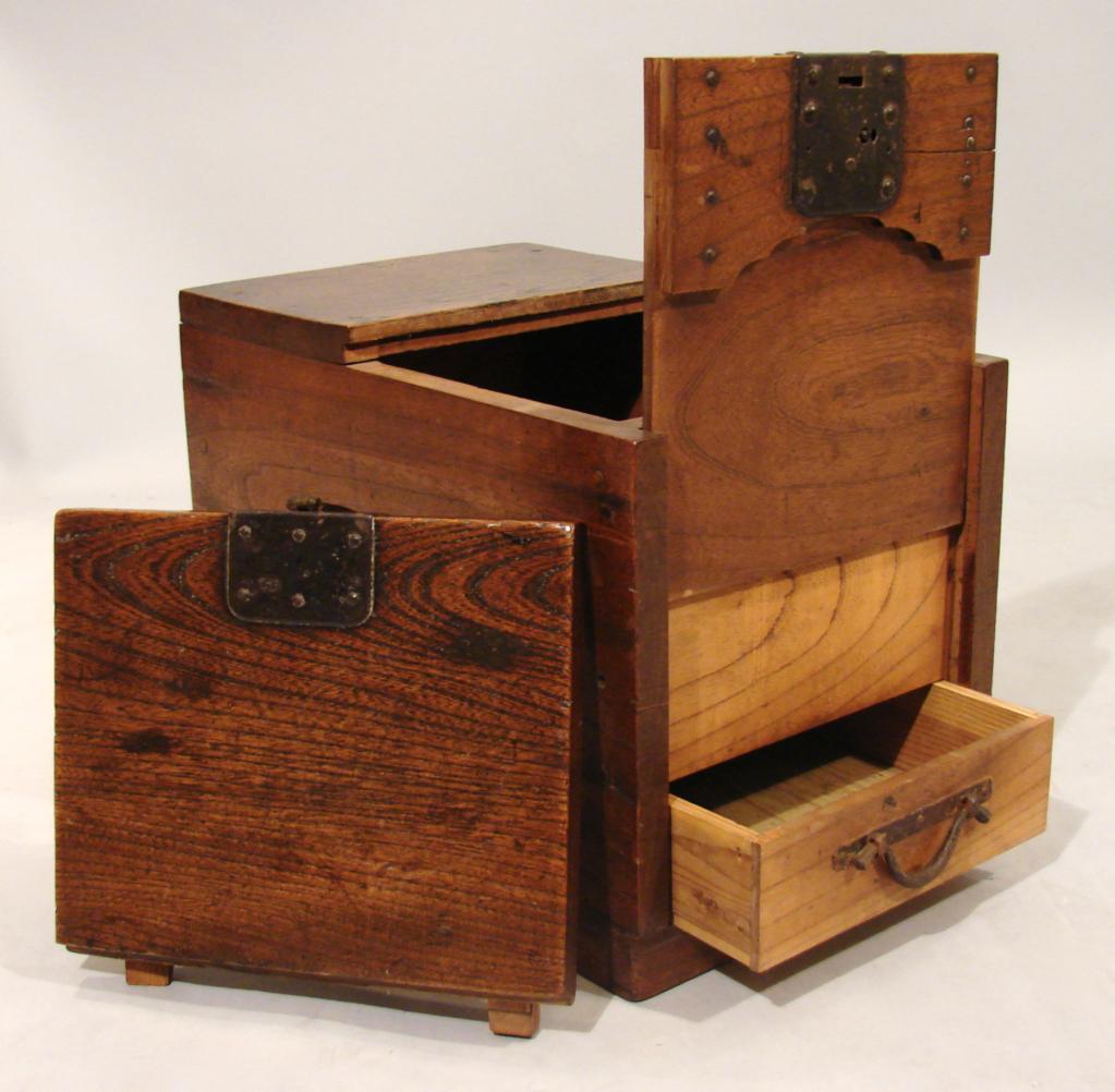 Secret partments in Wooden Japanese Merchant s Chest